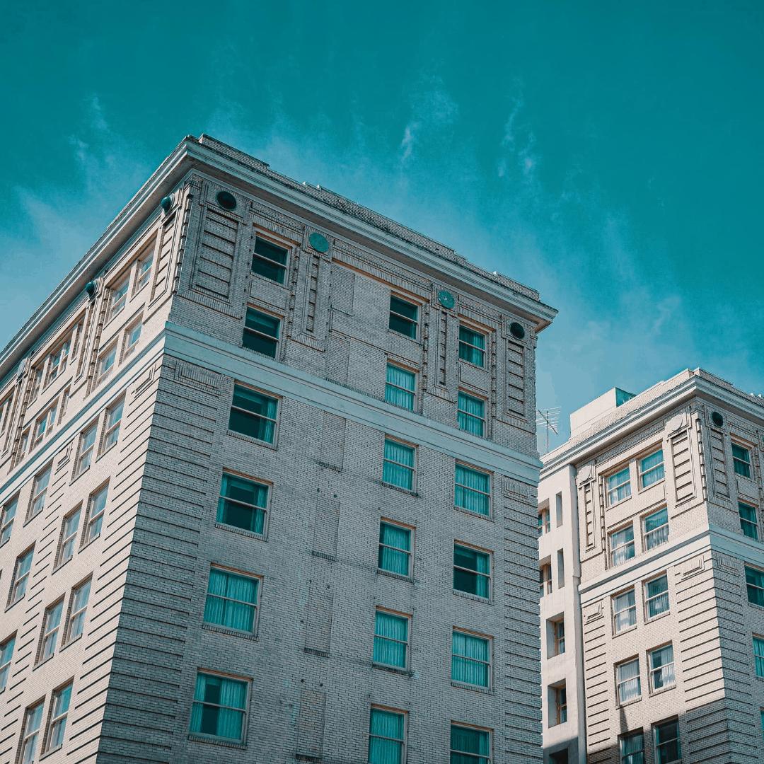 בניין דירות ישן